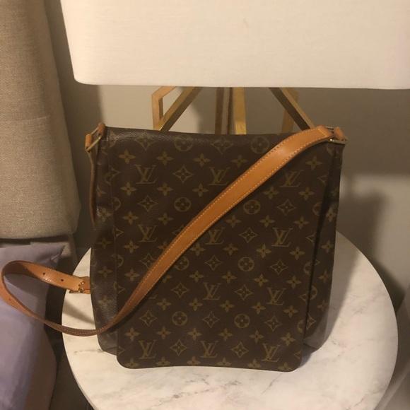 Louis Vuitton Handbags - Louis Vuitton Monogram Musette Cross Body Bag